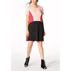 Color block pocket swing dress